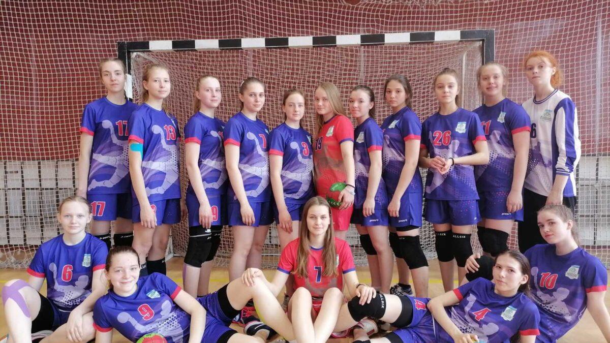 Тюменские гандболистки стали третьими в Новокузнецке