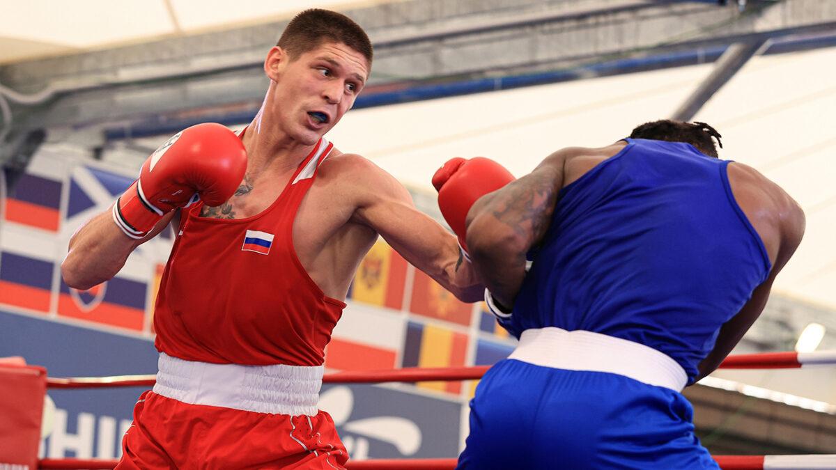 Российские боксеры уверенно выступают в Италии